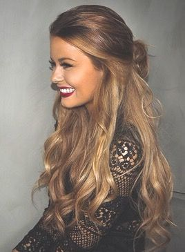 gorgeous long hair curls haircut blonde red lips make up
