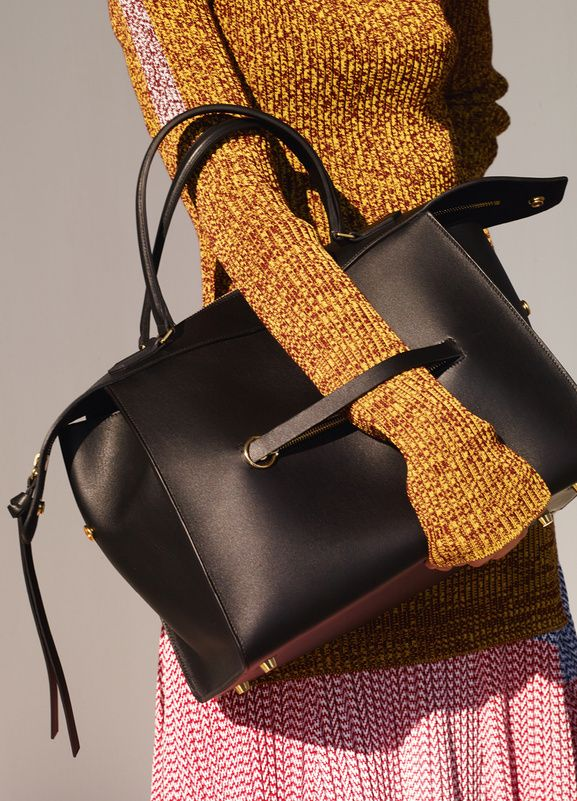 Celine S/S 15 Look 22 #style #fashion #bag #knit