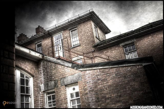 Психиатрическая больница  West Park – #Великобритания #Англия #Епсом_энд_Евелл (#GB_ENG) Заброшенная психиатрическая лечебница в Великобритании http://ru.esosedi.org/GB/ENG/1000195684/psihiatricheskaya_bolnitsa_west_park/