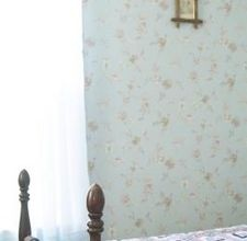 How to Decorate a Small Bedroom Colonial Style   By Misty Rodriguez: [click photo]