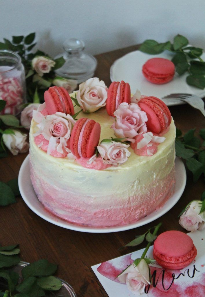 Rosa Mädchenträume: Blaubeer Hombré Törtchen | #cake, #hombré, #macarons, #pink, #rose, #blueberry, #blaubeeren #torte, #macaronstorte, #hombrétorte, food photography, food styling, girls cake, birthday cake for girls, macarons cake, hombré cake, hombré torte, törtchen, für mädchen, in rosa,