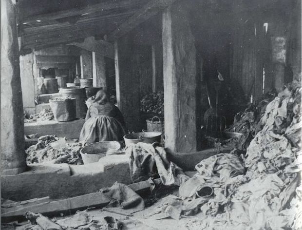 """Jacob Riis book with photographs, """"How the Other Half Lives"""", exposed the abysmal life of NYC's immigrant tenement dwellers, during the Gilded Age. {cwl}"""