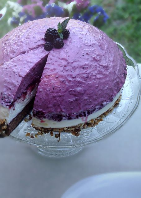 Blackberry - white chocolate mousse cake | Food, Drinks & Desserts ...