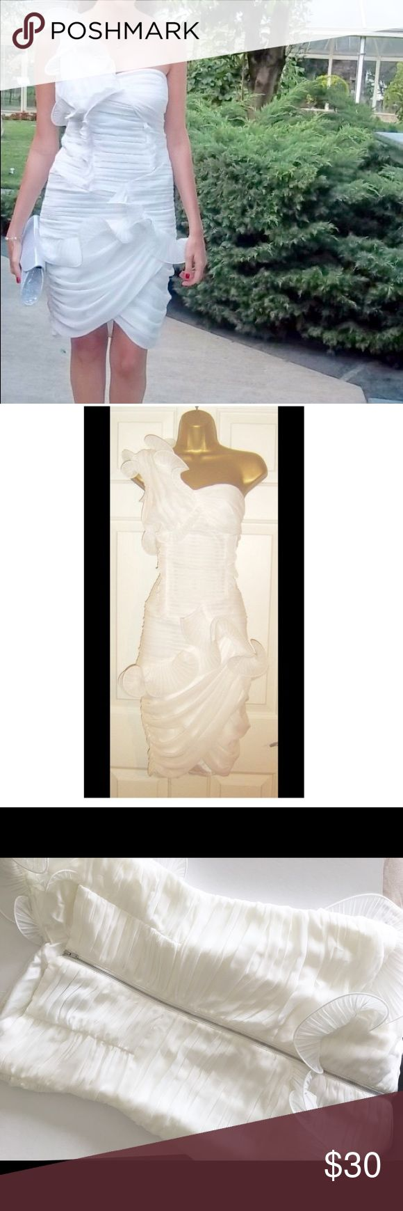 NEW Asos White Dress Size Medium New without tags (worn only once) - Perfect for cocktails, weddings, formal events - No marks and no signs of wear - Original design which goes well with all kinds of colors of shoes and bags. ASOS Dresses