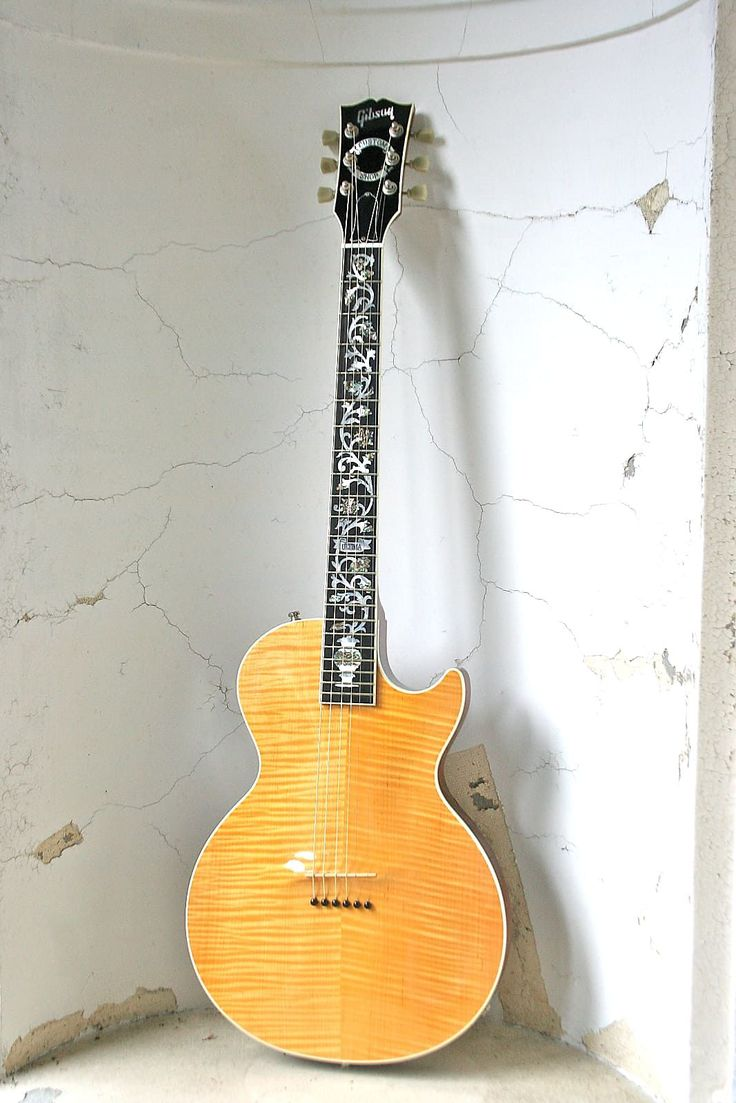 """Talk about rare.......As of today, March 13th, 2017, This is the ONLY Les Paul Acoustic for sale on the entire internet!It's an Acoustic!...It's an Electric!....It's both !!!...and .....have you ever even seen or played one?? The 2001 Gibson Custom Shop Catalog featured """"The Acoustic"""" on the cov..."""