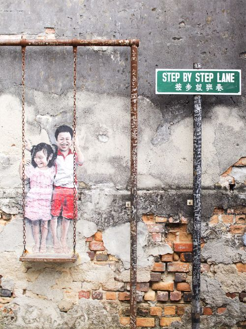 The famous Penang Street Art, which telling of street and social history through the use of caricatures. #penang #streetart