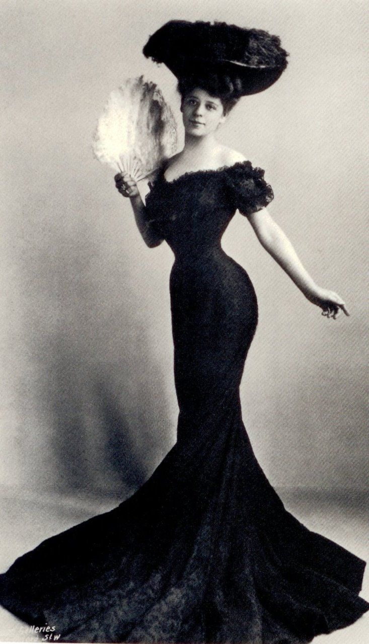 """Camilla Antoinette Clifford (29 June 1885 – 28 June 1971) was a Belgian-born stage actress and the most famous model for the """"Gibson Girl"""" illustrations. Her towering coiffure and hourglass figure defined the Gibson Girl style. 1910s."""