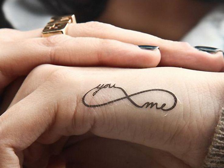 die besten 25 unendlichkeitszeichen tattoo ideen auf pinterest freundschaftssymbol tattoos. Black Bedroom Furniture Sets. Home Design Ideas