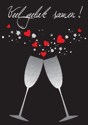 Een trendy kaart met champagneglazen en hartjes. Leuk om te sturen ter felicitatie van een huwelijk!