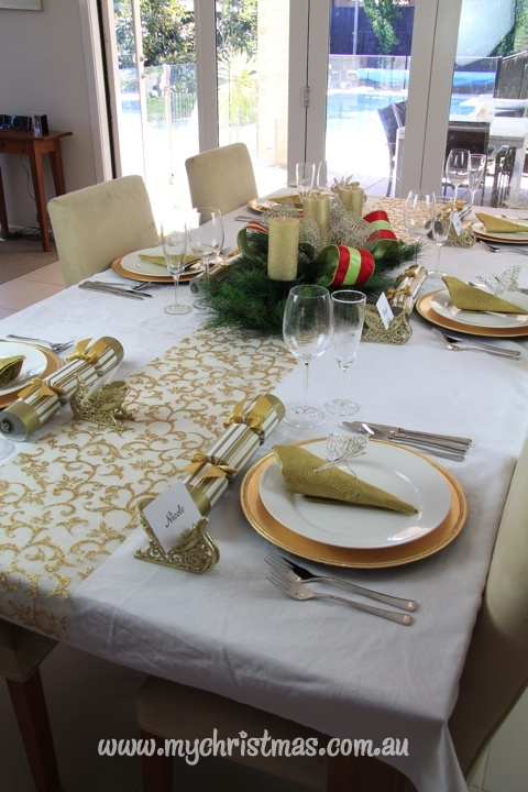 Gold And White Christmas Table Decorations 39 best christmas table settings images on pinterest | christmas
