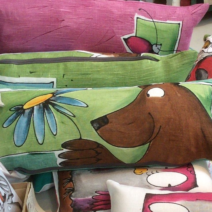 Pillow, happy bear, linen, handmade in Finland Jyväskylä by Popper design