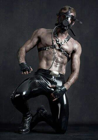 Gay Master Rubber 10
