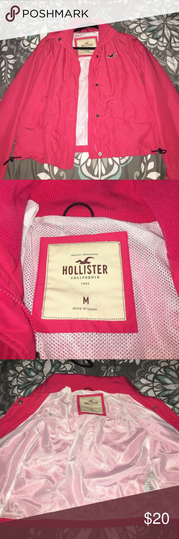 HOLLISTER RAIN JACKET CHEAP HOLLISTER RAIN JACKET, IN GREAT CONDITION. THE SIZE IS M BUT FITS AS A SMALL Hollister Jackets & Coats