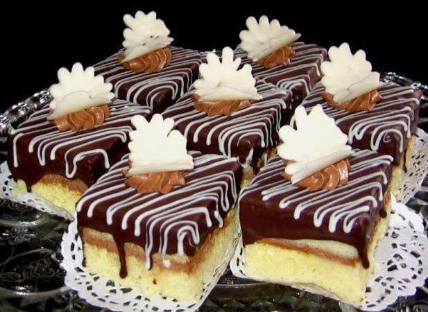 Κέικ γεμιστό με σοκολάτα, παστάκια !  