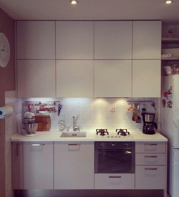 Prima di cucinare è tutto in ordine in cucina..