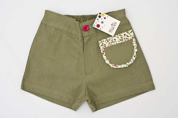 Short Charlotte: De gabardina de algodón con detalles de poplín en bolsillo.