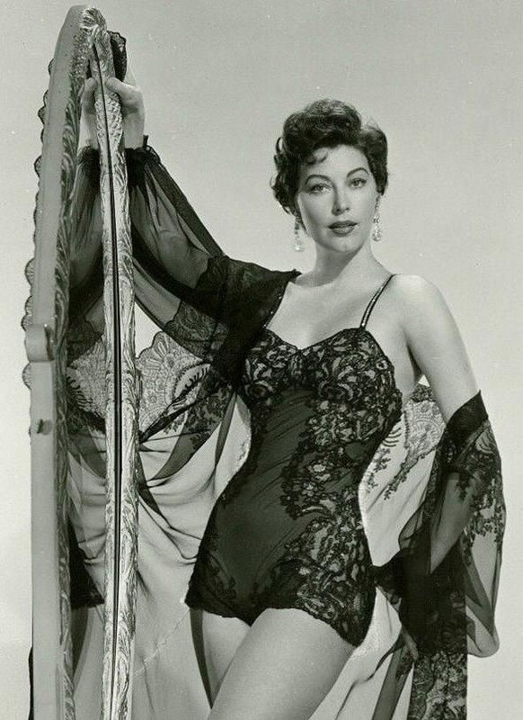 Vintage lingerie sex pics