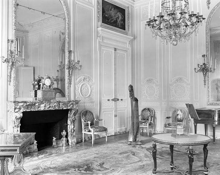 1000 images about pt1 salon de compagnie on pinterest for Salon de versailles 2016