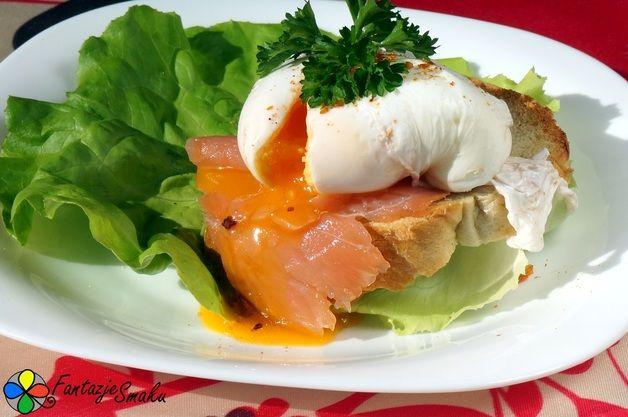 Jajko w koszulce z łososiem wędzonym na grzance http://fantazjesmaku.weebly.com/jajko-w-koszulce-z-322ososiem-w281dzonym-na-grzance.html