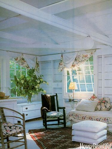 Shabby Chic Living Room - 1980s Interior Design Trends - House ...