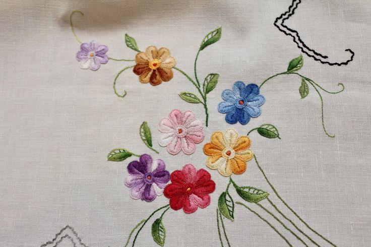 Старинная лен вышивка и вязание крючком скатерть цветочный дизайн – 116 см квадратные-gc | eBay
