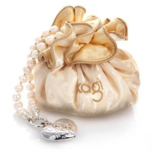 Kagi Jewellery. Heart Nouveau Pendant on a Pearl Necklace