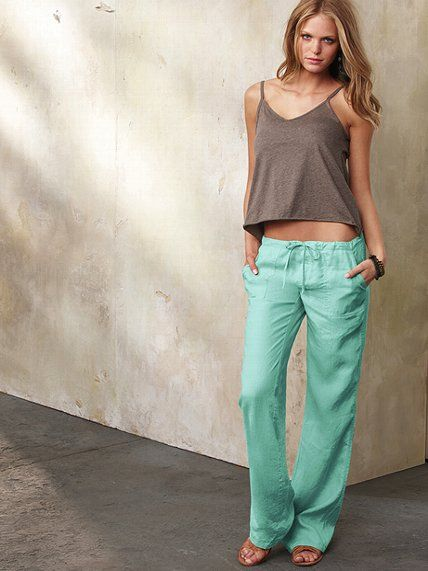 Love this casual chic and sexy lounging outfit! The Beach Pant in Linen