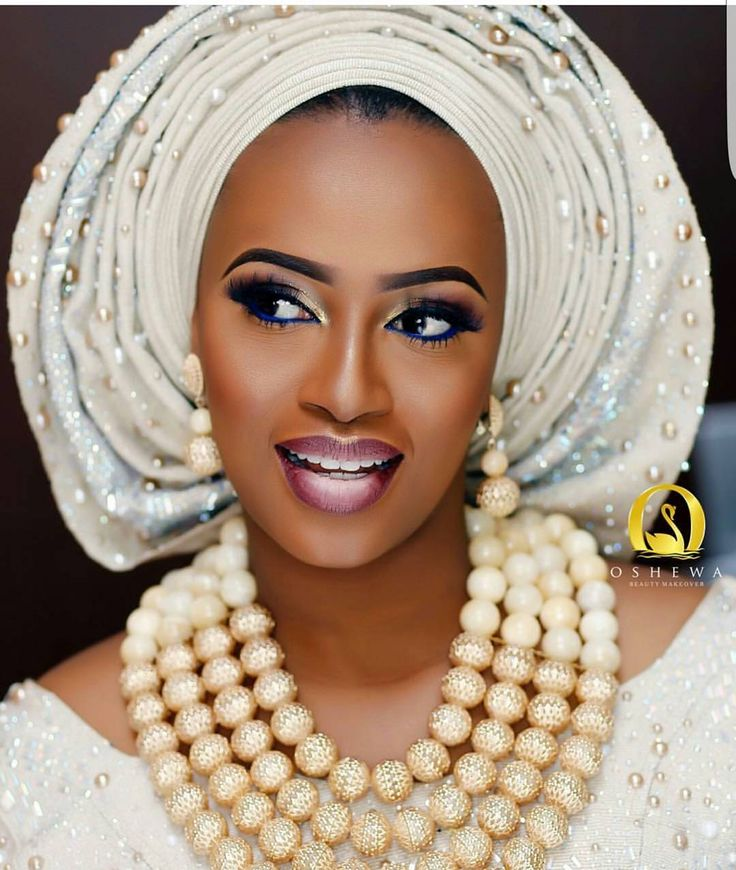 This particular look is everything . God is faithful. We see beauty in everything we do. #whatamightyGodweserve  Makeup @oshewabeauty  Aso oke and beads @bimmms24