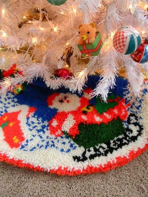 Vintage Latch Hook Rug Santa Tree Skirt By Snugsnuggery On Etsy