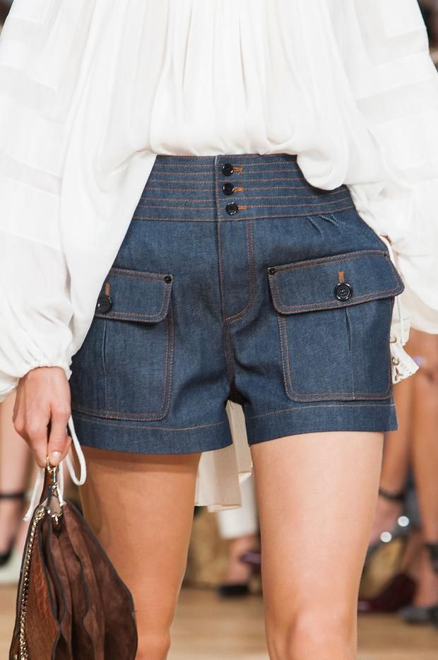 Fashion| Tendenze moda primavera-estate 2015: jeans | http://www.theglampepper.com/2015/04/10/fashion-tendenze-moda-primavera-estate-jeans/