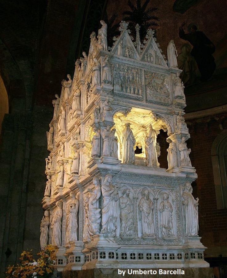 La Tomba di Sant'agostino. Nella Chiesa di San Pietro in Ciel d'Oro a Pavia. Da non perdere assolutamente