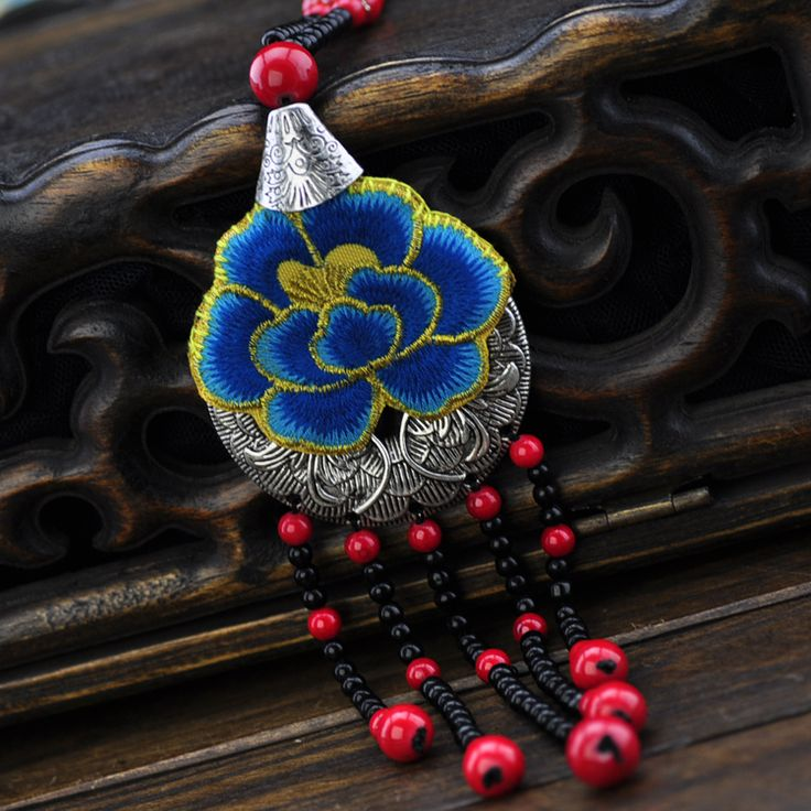 pt.aliexpress.com store product BOHOCHIC-Women-s-Original-Design-Handmade-Miao-Silver-Necklace-Embroidery-Tassels-Chinese-National-Vintage-NS0001-Boho 1701310_32346265034.html