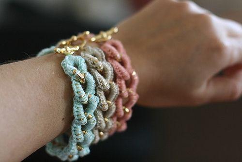 crochet + chain instructionsDiy Ideas, Colors Combos, Crochet Ideas, Chains Bracelets, Crochet Chains, Crochet Bracelets, Diy Bracelets, Crafts, Diy Crochet