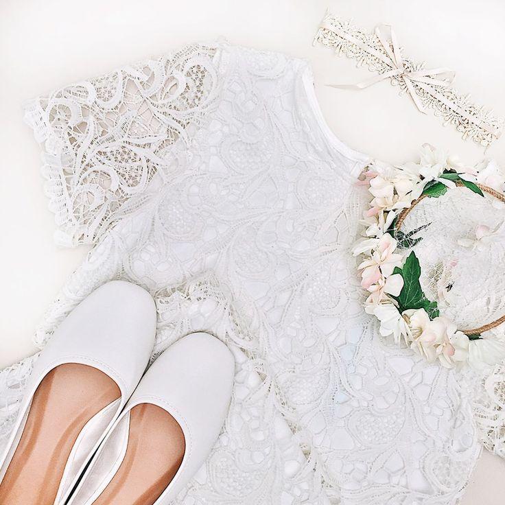 Would you like to wear these? 💛 #boudoir1861 Shoes Pollica Blanc Dress Louise-Anne Necklace Audeo Douceur Flowers Bia Jour #wedding #weddinginspiration #boho #getinspired #vintage #bridesmaids #bride #decoration #dress #elegant #beautiful #whitedress #vintagedress #simpledress #pretty #white #shoes #whiteshoes #flowers #lace