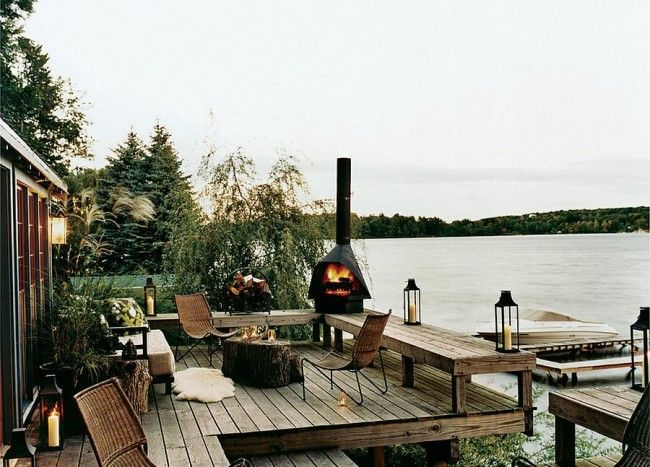 25 Awesome Rustic Decks That Offer A Tranquil Escape River House Decor Lake House Interior Outdoor