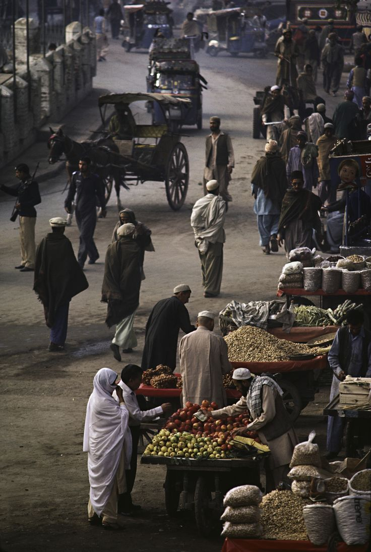 """Quissa Khawani Bazaar, Peshawar, Pakistan """"Where the World Meets"""". Buying and Selling in the World's Bazaars, Souks, and Markets"""