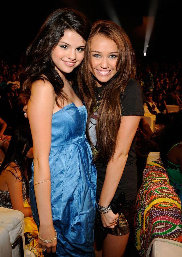 Selena Gomez and Miley Cyrus.jpg (615×870)