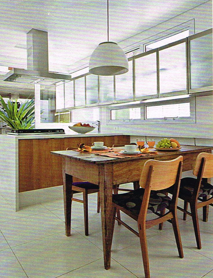armário superior janela cozinha