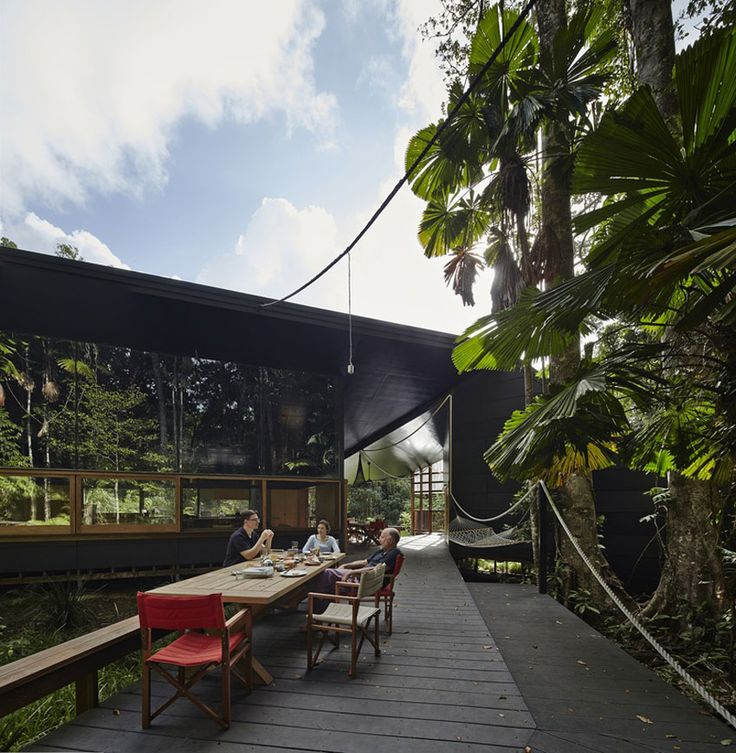 Cape Tribulation House by m3architecture. Photo by Peter Bennetts | Yellowtrace