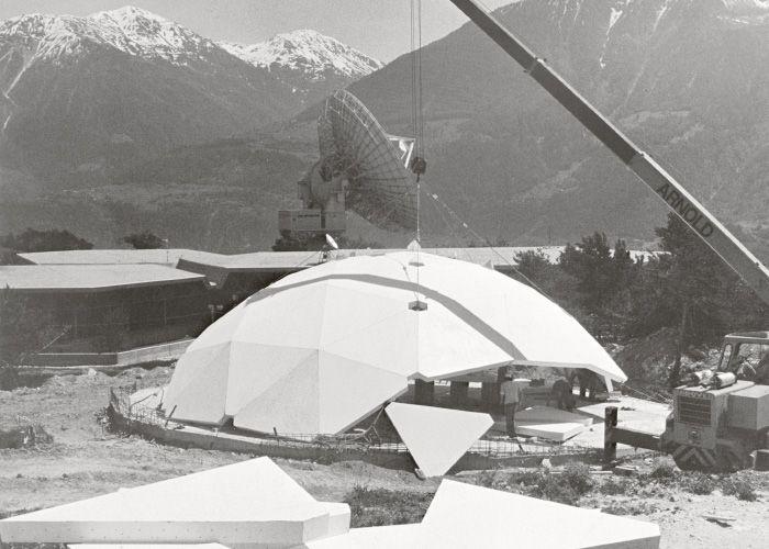 78 ideen zu geod tische kuppel auf pinterest buckminster fuller earthship und kuppelh user. Black Bedroom Furniture Sets. Home Design Ideas