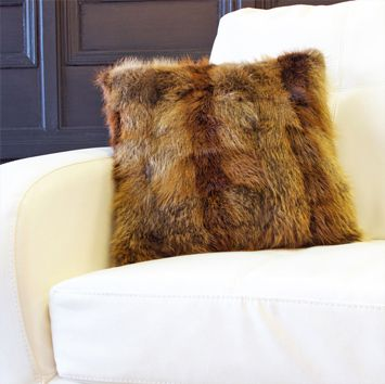 RECYCLED BEAVER PILLOW
