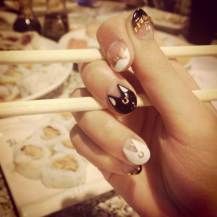 Eating sushi with Sailor Moon nails! The Asian is strong in me today! #sailormoon #halfajapanese