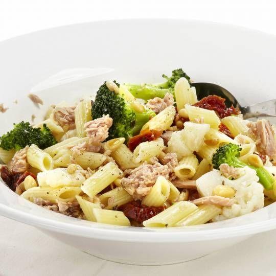 Recept - Pasta met bloemkool, broccoli en tonijn - Boodschappenmagazine