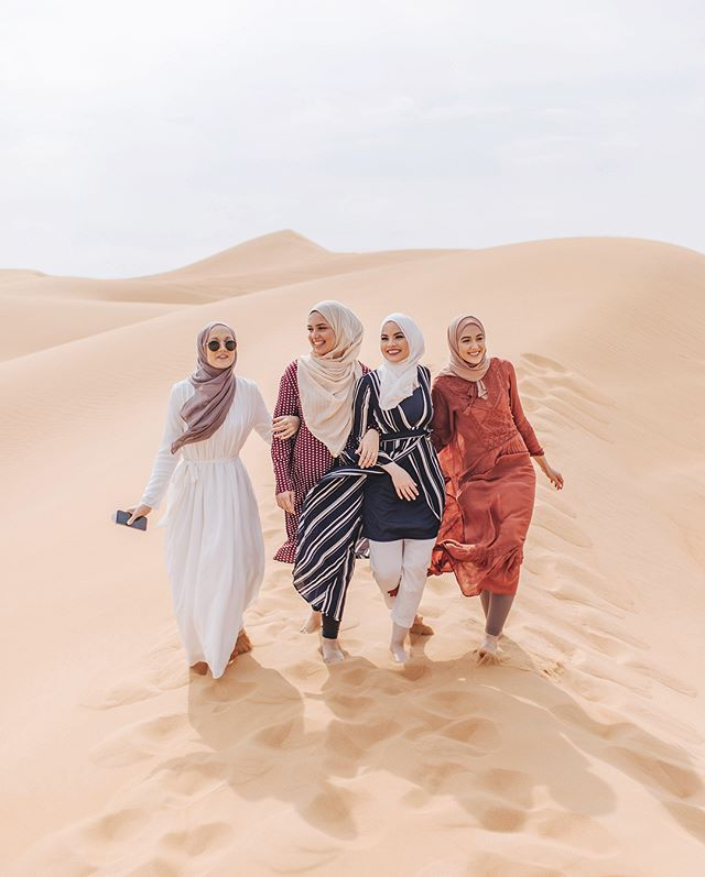 WEBSTA @withloveleena Ahh such amazing memories with these girls in Dubai!! Miss them so much!! Swipe for some pics of us with our Instagram husbands ✨ Photos by @iamshooter