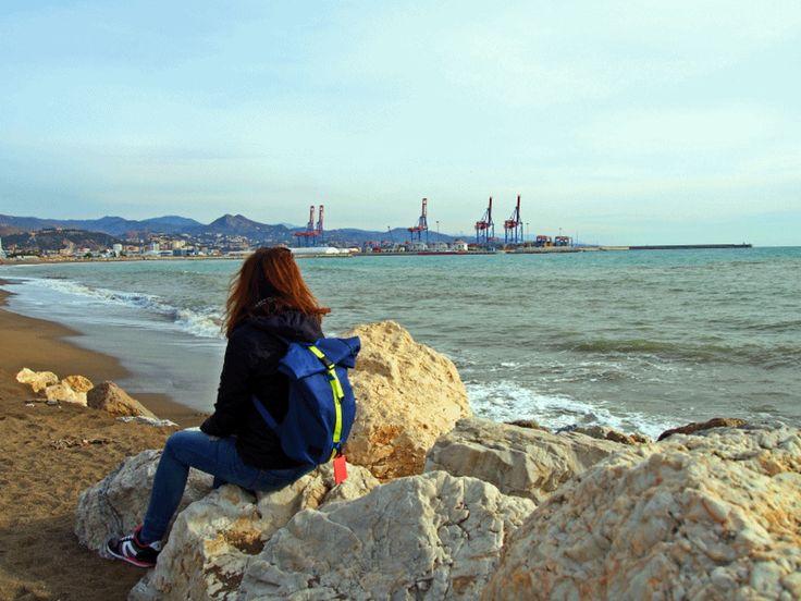 Travelblog Lisa Travelblogger Joy Della Vita in Malaga at Costa del Sol in Spain with a Primark Backpack #gif -- https://joydellavita.com/about/