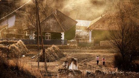 Date ALARMANTE! Numărul satelor fără locuitori s-a dublat