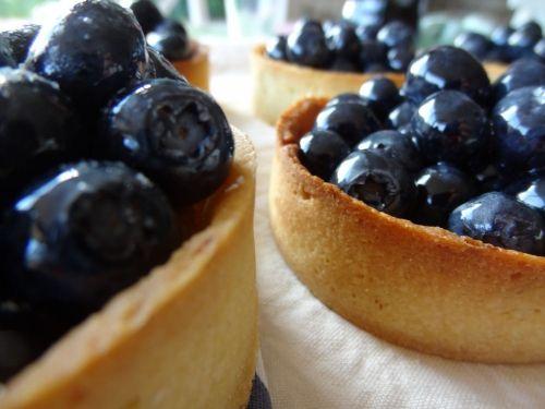 tarte aux myrtilles et crème d'amandes  'cuisine au beurre salė'