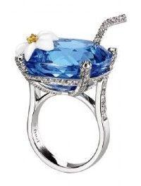 Blue Hawaiian, en or, diamant, topaze bleue et calcédoine, collection Limelight Paradise de Piaget.
