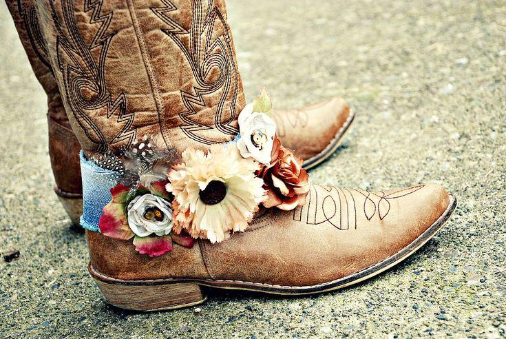 A little bit country. bracelet for your cowboy boots. vintage. hippy. boho. $54.00, via Etsy.