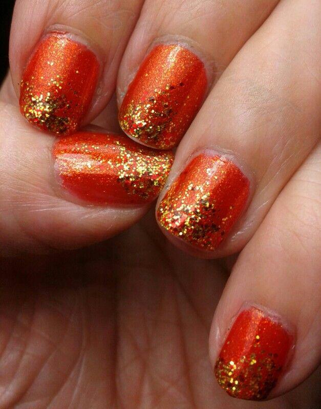 GOT polish #7: Orange. My favourite orange China Glaze Riveting sponged with China Glaze Electrify